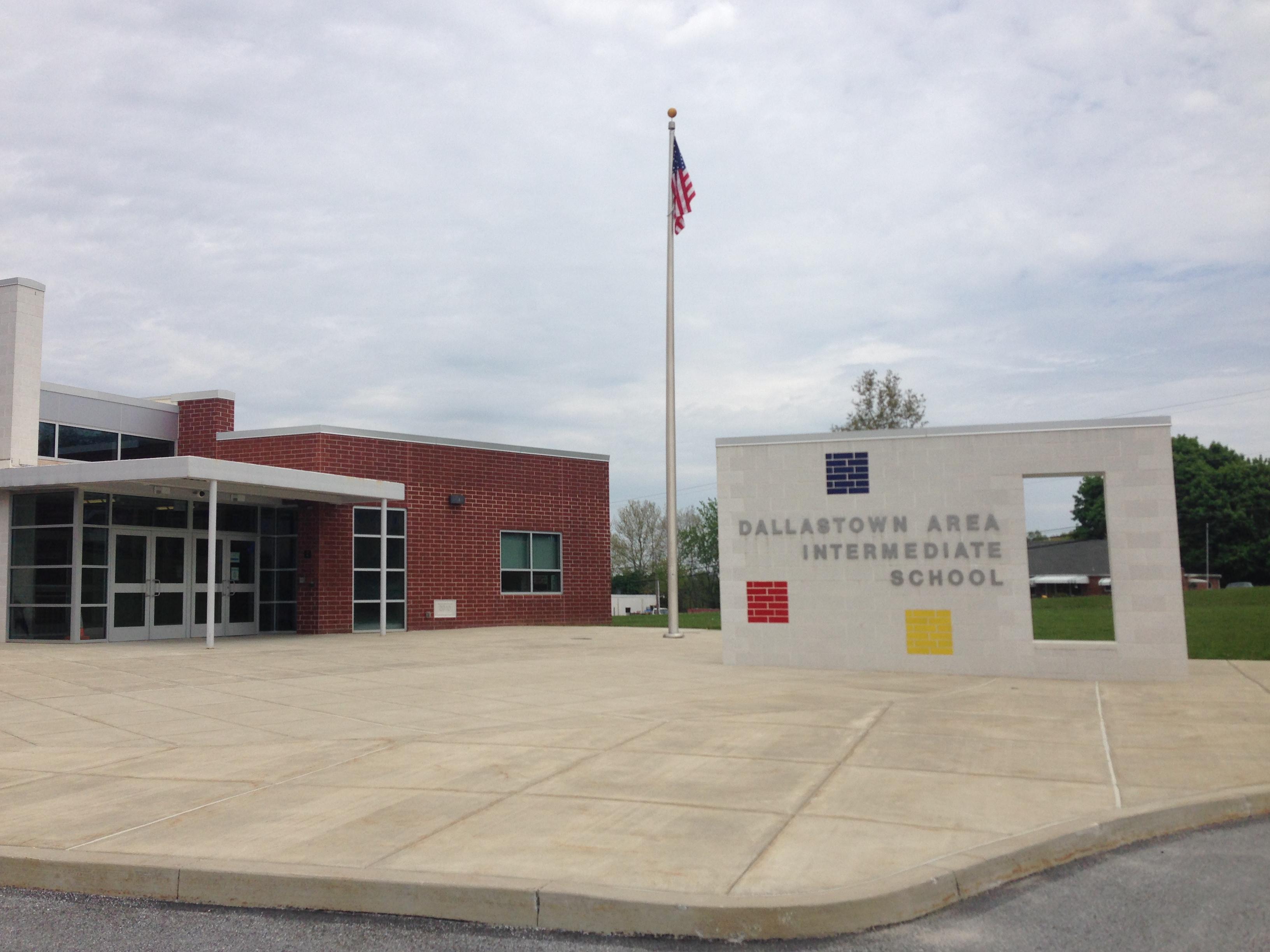 Dallastown_Intermediate_School_photo.jpg